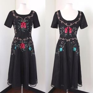 Eshakti Floral Embroidered Fit and Flare Midi Sz S